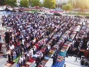 Demokrasi Meydanında Bayram sabahı