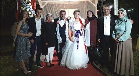 Serpil ve Deniz evlendi