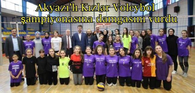 Akyazı'lı Kızlar Voleybol şampiyonasına damgasını vurdu