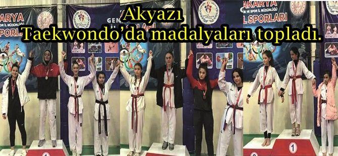 Akyazı Taekwondo'da madalyaları topladı.