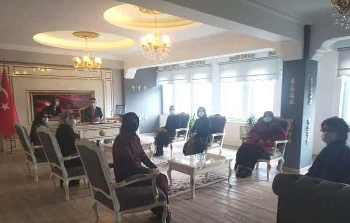 AK Kadınlar Ziyaretlerine devam ediyorlar