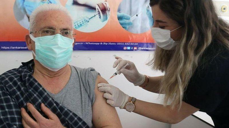 65 yaş üstünde aşısını yaptırmayan evden çıkamayacak