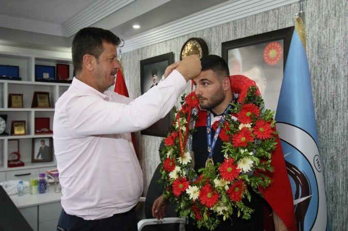 Başkan Soykan Dünya şampiyonunu ağırladı