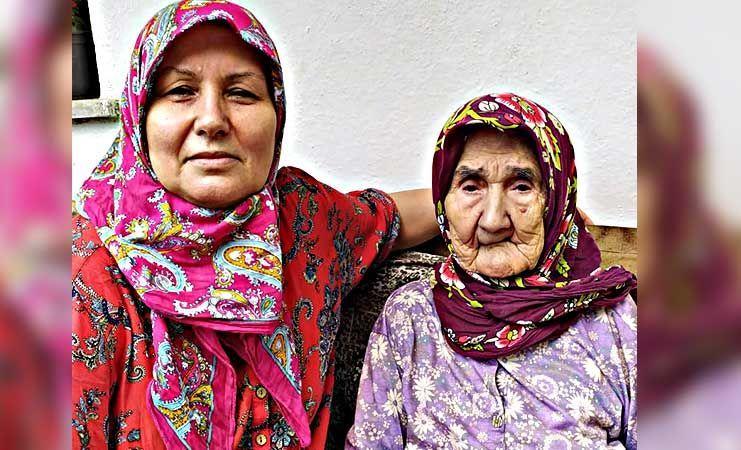 İki doz aşılı 95 yaşındaki Durdiye teyze koronayı rahat yendi!