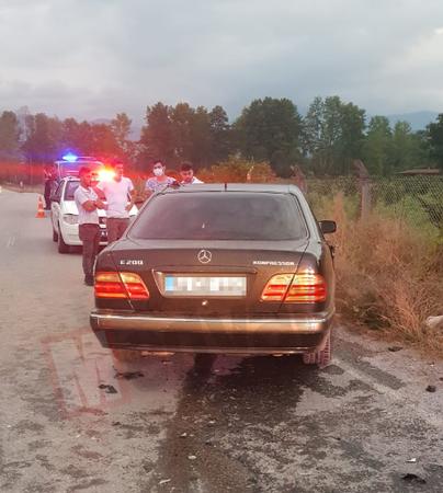 Tali yol faciası! İki araç çapıştı:4 yaralı