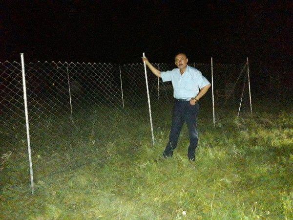 Mezarlıkta kendine yer beğendi! Gece saatlerinde bir usta iki işçi ile...