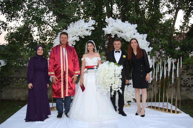 Büşra ve Özcan'da evliler kervanına katıldı