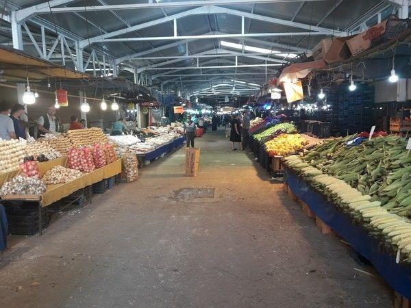 Akyazı pazarında fiyatlar bir türlü düşmüyor