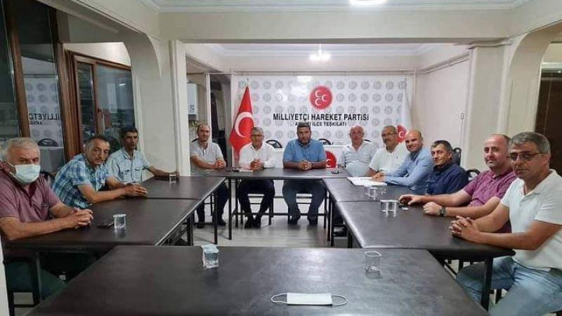 Akyazı MHP yönetimi toplandı