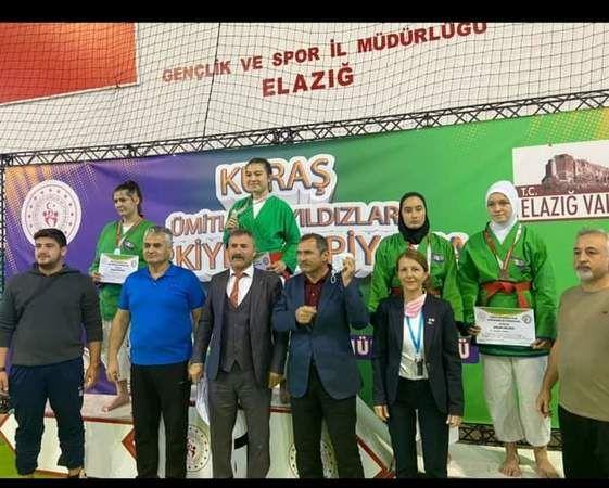Akyazılı Zeynep Türkiye 2.incisi oldu