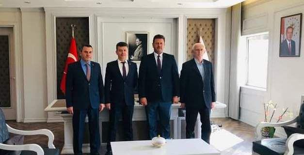 Başkan Soykan Akyazılı Eskişehir il emniyet müdürü Yaman'ı ziyaret etti
