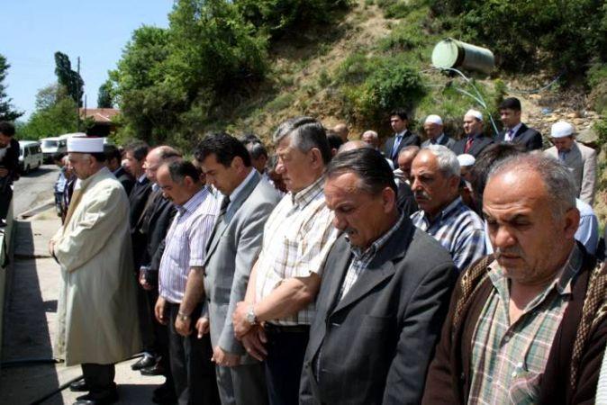 Filyos Çayı'nda kaybolanlar için gıyabi cenaze namazı
