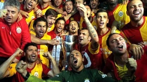 Galatasaray Kadıköy'de Kupayı Kaldırdı