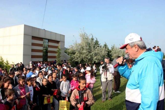 Gençlik yürüyüşü Sekapark'ta yapıldı