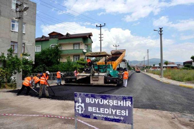 Körfez'de asfaltlama çalışmaları sürüyor