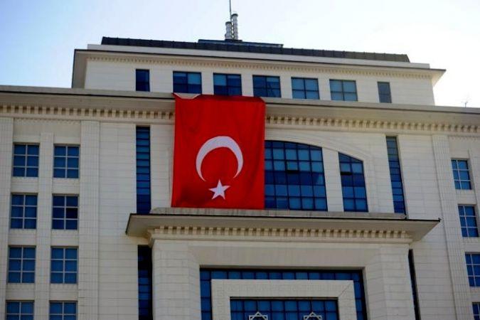 AK Parti'den saldırıya Türk bayraklı tepki