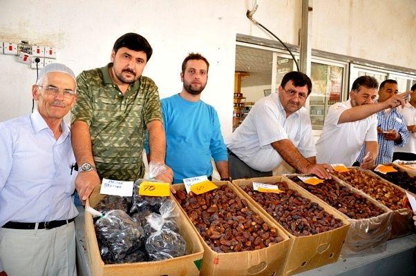 İzmitliler yakında taze Medine hurma yiyecek