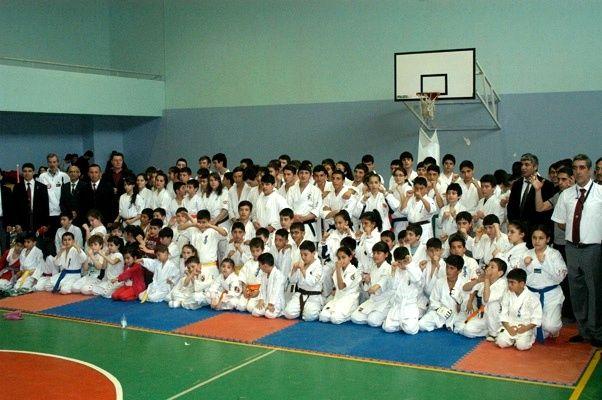 Derince'de Karate Şampiyonası yapıldı