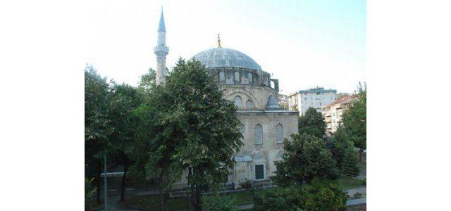 Yeni Cuma Camii'nde 40 yıl sonra restorasyon