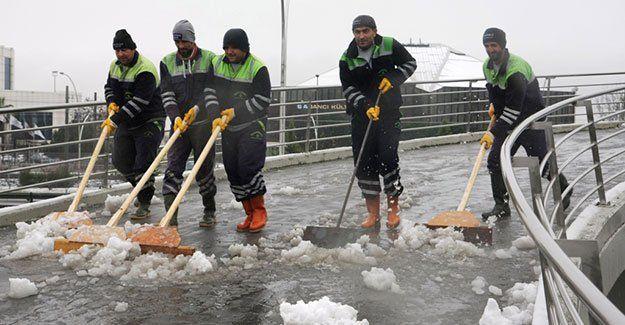 Köprülerde kar temizliği