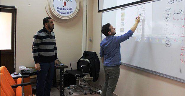 Akademik Okul'da Arapça dersi