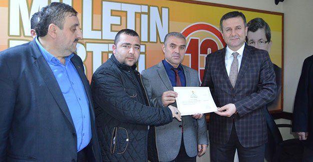 AKP İzmit'te 4 mahalleye başkan atadı