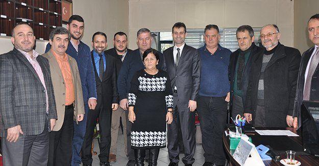 AKP Gölcük'ten iade ziyaretleri