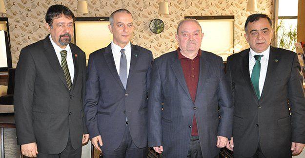 """Veziroğlu: """"Kentin en önemli iki  sorunu: Ulaşım ve Kocaelispor"""""""