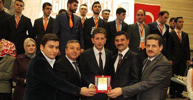AKP Karamürsel'de yeni başkan Adem Özgüneş