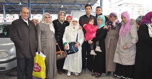 Umre'ye 138 kişi daha yolcu edildi