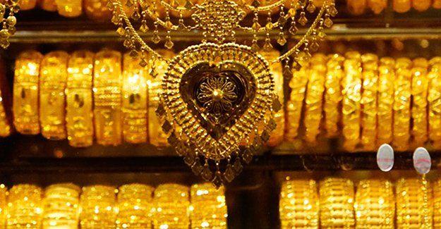 Altın ithalatı yarı yarıya düştü
