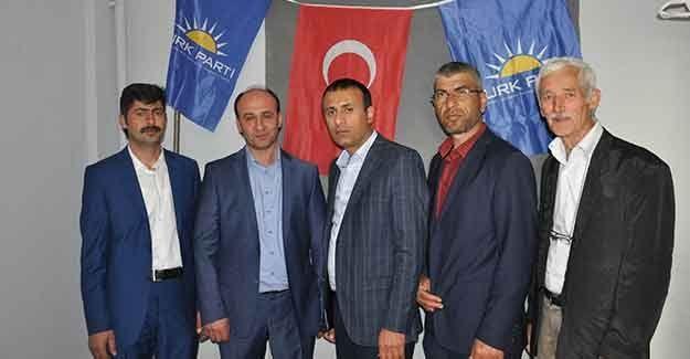 Türk Partisi adaylarını tanıttı