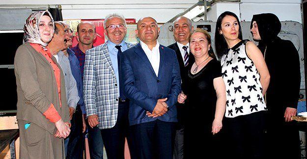 CHP'li Tahsin Tarhan tanınmaktan memnun