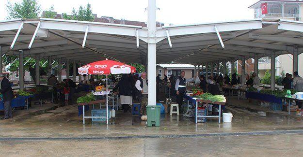 Yağış, pazarı etkiledi