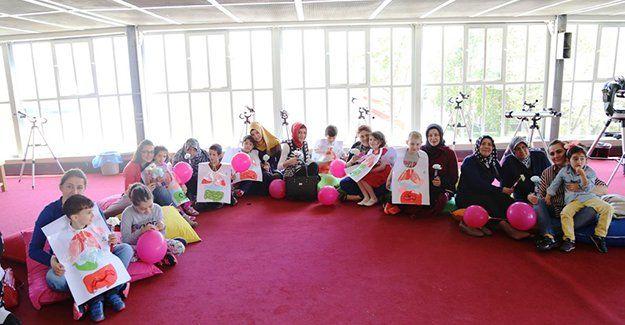 Anneler Günü Bilim Merkezi'nde kutladı