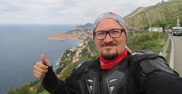 Balkanları motosikletiyle dolaştı