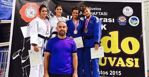 """KBB Kağıtsporlu judocular, Sakarya'da """"Zafer"""" kutladı"""