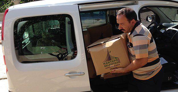 Kartepe Belediyesi, aylık erzak yardımlarını sürdürüyor