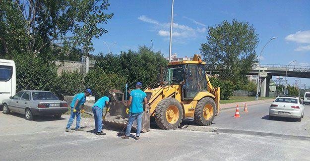 Vatandaş başvuruyor, ekipler asfaltlıyor
