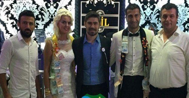 Muhammed Emin evlendi