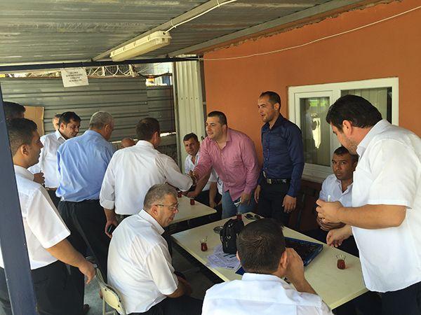 Bayramda çalışan sendika üyesi işçileri Hizmet İş'i ziyaret etti