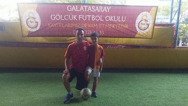Gölcüklü minik Çağrı Özgan Galatasaray antrenmanında