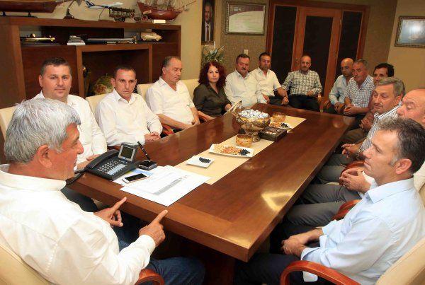 Başkan Karaosmanoğlu, STK ve yerel yönetimleri makamında ağırladı