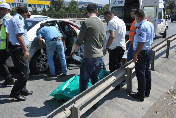 Polis kontrolü sırasında otomobilde ceset bulundu