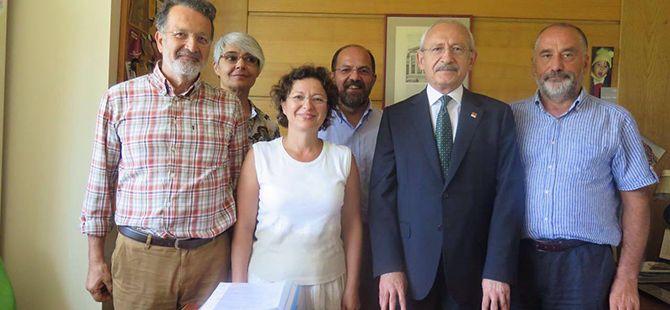 Kılıçdaroğlu ihraç edilen akademisyenlerle görüştü