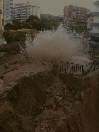 Sık sık su borusu patlayan bölge