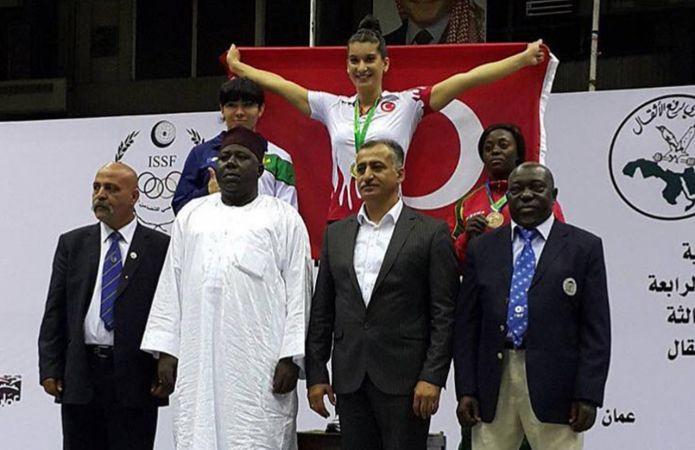 Büyükşehirli Rabia, altın madalya kazandı