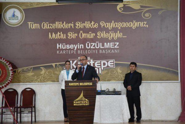 Kartepeliler, başkan Üzülmez'in ev sahipliğinde bayramlaştı