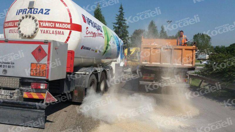 LPG tankeri bariyerlere girdi
