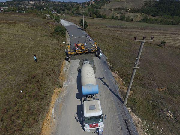 Başiskele'de 3 yol daha beton oluyor